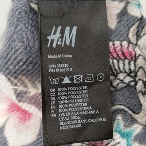 H&M Accessories - 3/$25 H&M | Nature Print Scarf | Gray